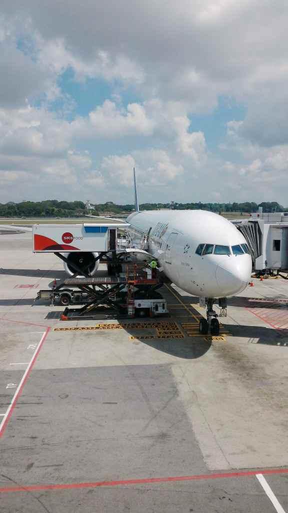 タイ国際航空 TG404