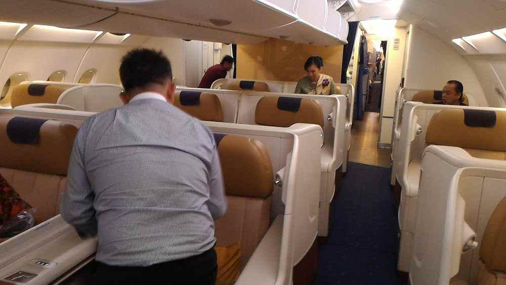 タイ国際航空 TG622 ファーストクラス
