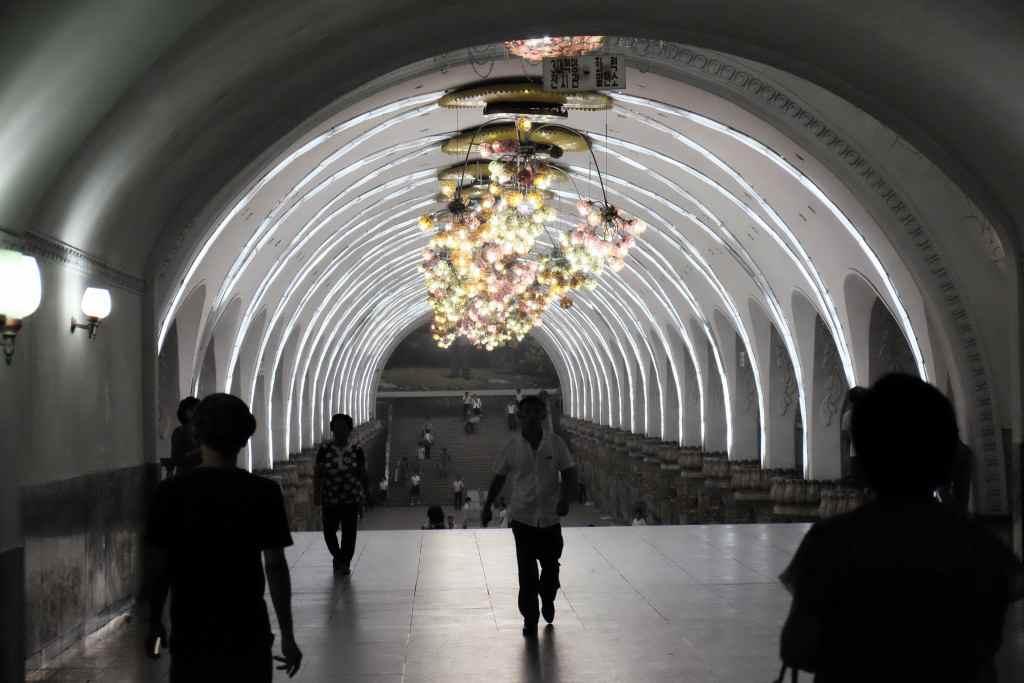 北朝鮮の地下鉄・平壌地下鉄千里馬線栄光駅