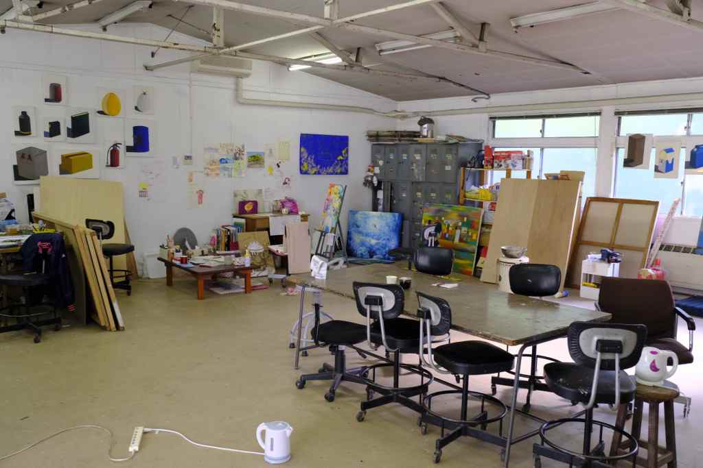 朝鮮大学校美術学科のアトリエ