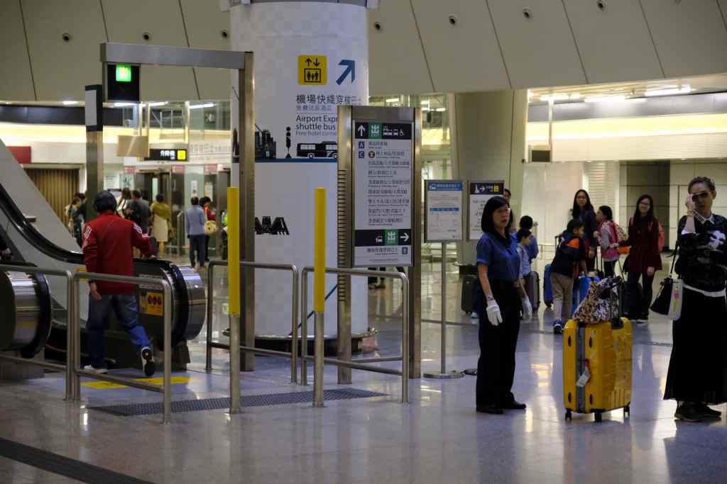 九龍駅からW香港
