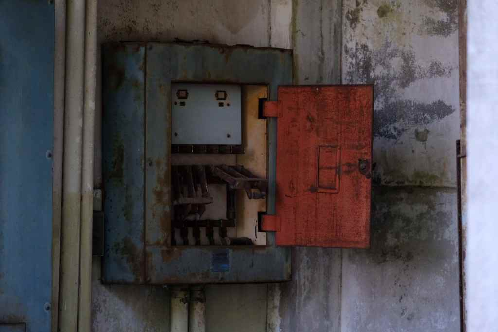 根岸競馬場の配電盤