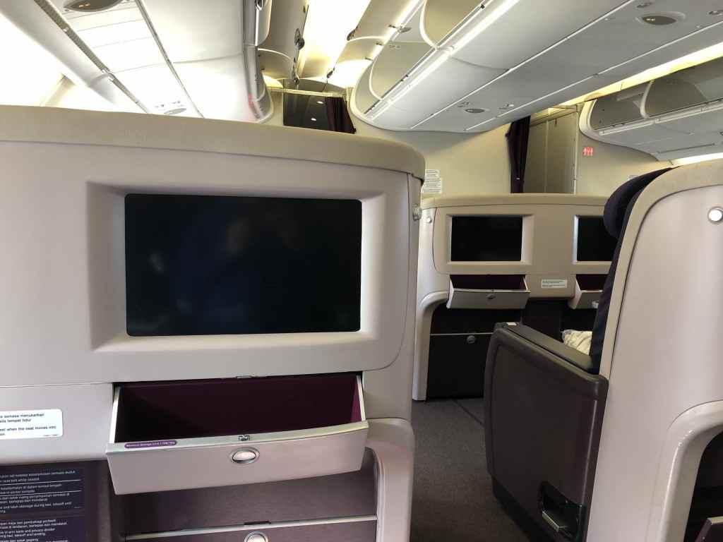 マレーシア航空のA380・ビジネスクラスのシートモニター