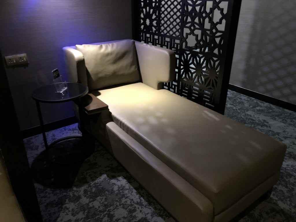 仮眠室のベッド