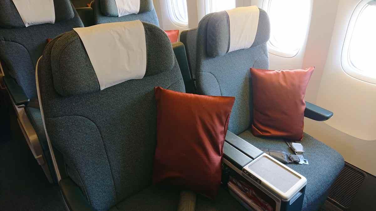 キャセイパシフィック航空・ビジネスクラスのシート