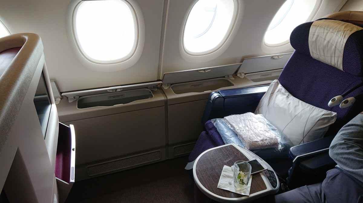 マレーシア航空のA380のシートを立てた状態