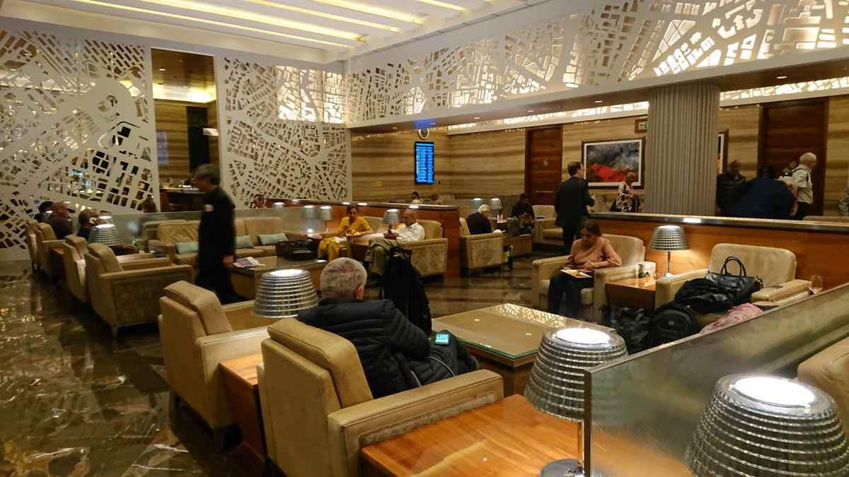 ムンバイ空港のラウンジ内部