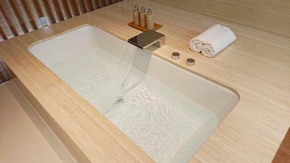カバナの浴槽
