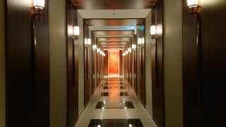 ダイヤモンドプレミアラウンジの廊下