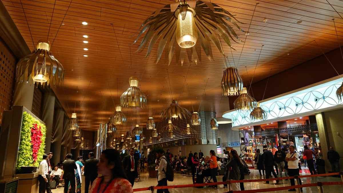 ムンバイ空港のかっこいい内装