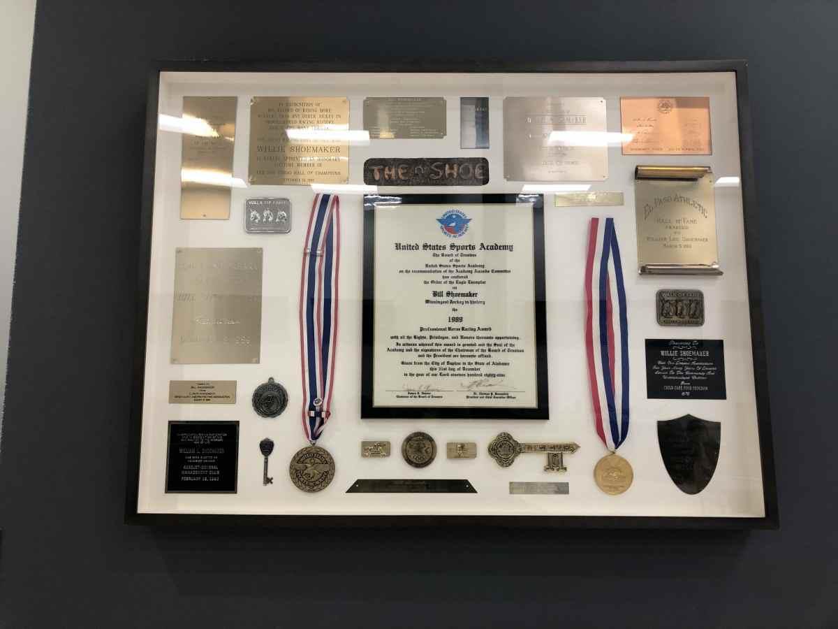 ハリウッドパーク競馬場の記念メダル