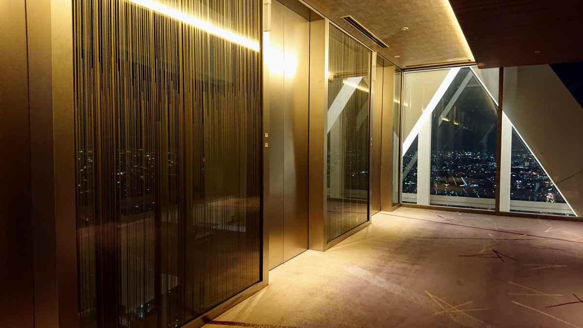 お部屋へのエレベーター