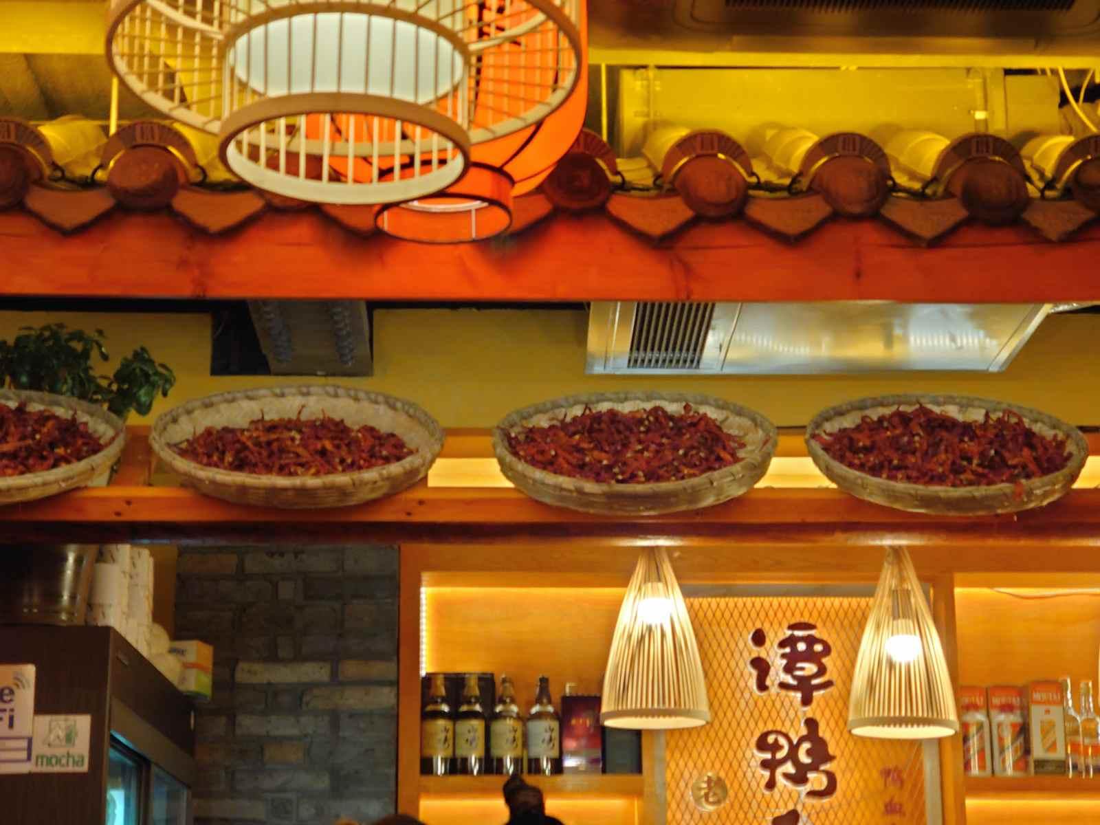 譚鴨血(タンヤーシェ)店内のディスプレイ